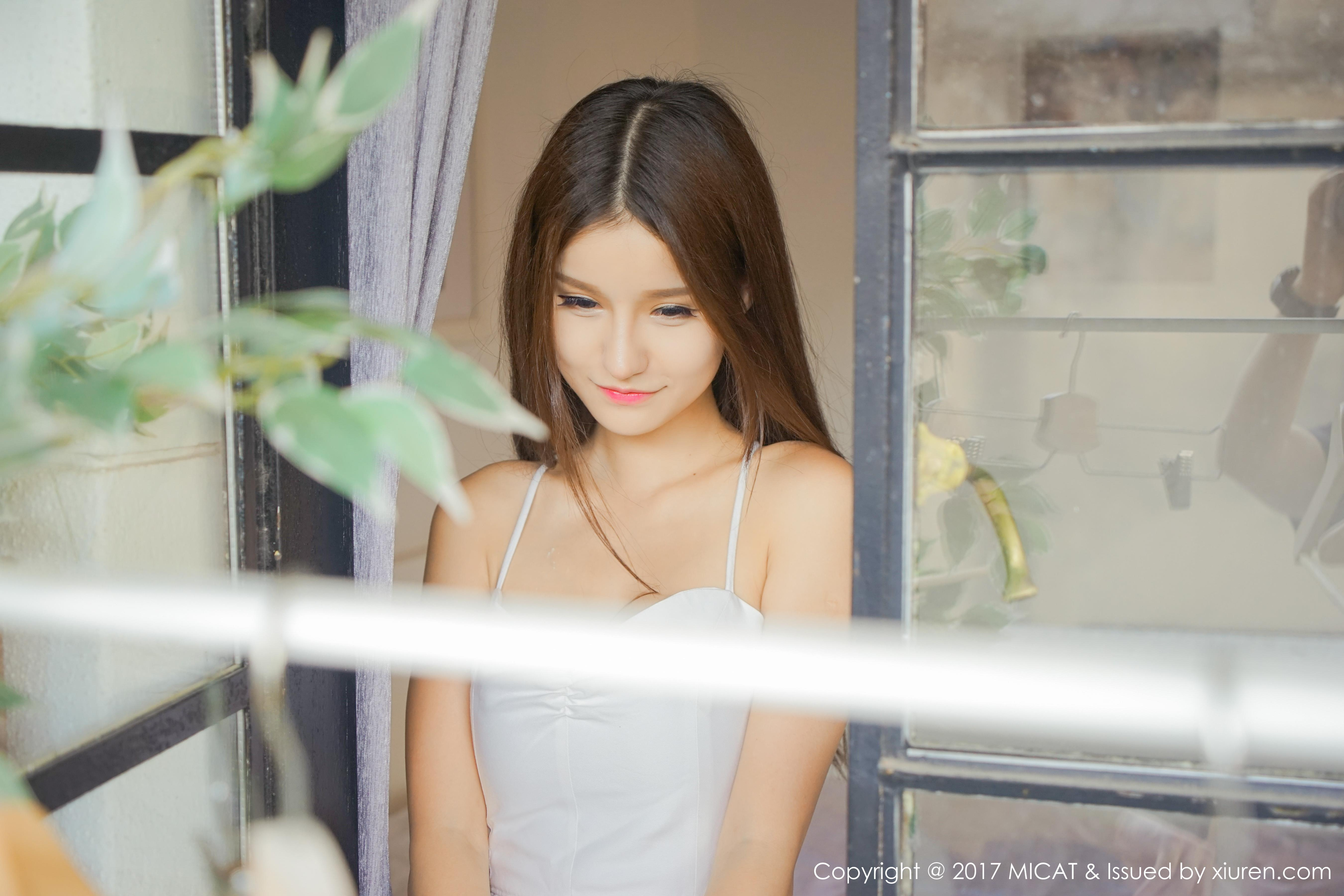 [MICAT猫萌榜]MCT20170608VOL0007 玟姊BABY 童颜巨乳 白色吊带镂空睡衣裙性感私房写真集