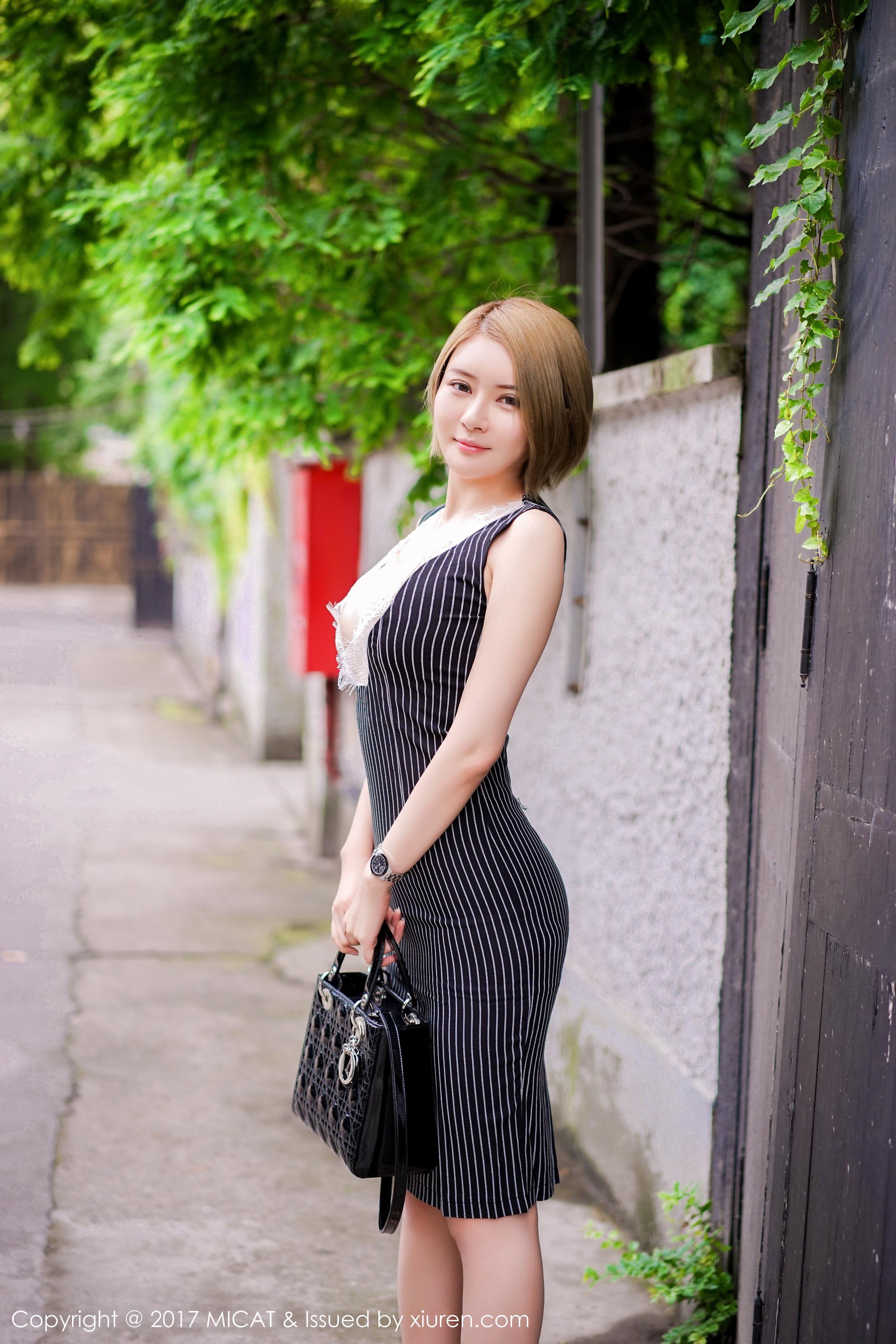 [MICAT猫萌榜]MCT20170620VOL0013 凯竹BuiBui 深V连身裙与黑色镂空内衣性感私房写真集