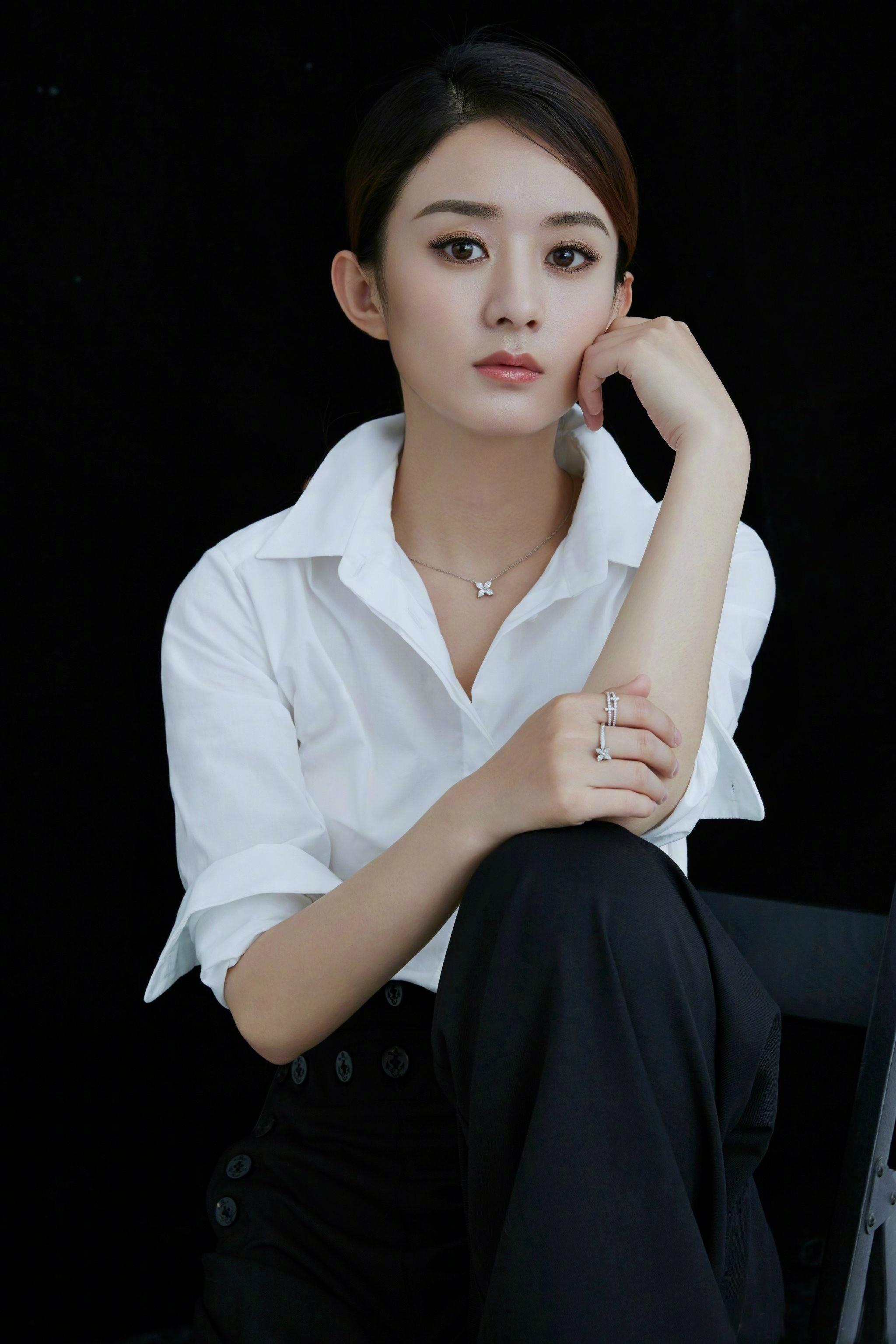 "赵丽颖 X Tiffany&Co.蒂芙尼 ""There"