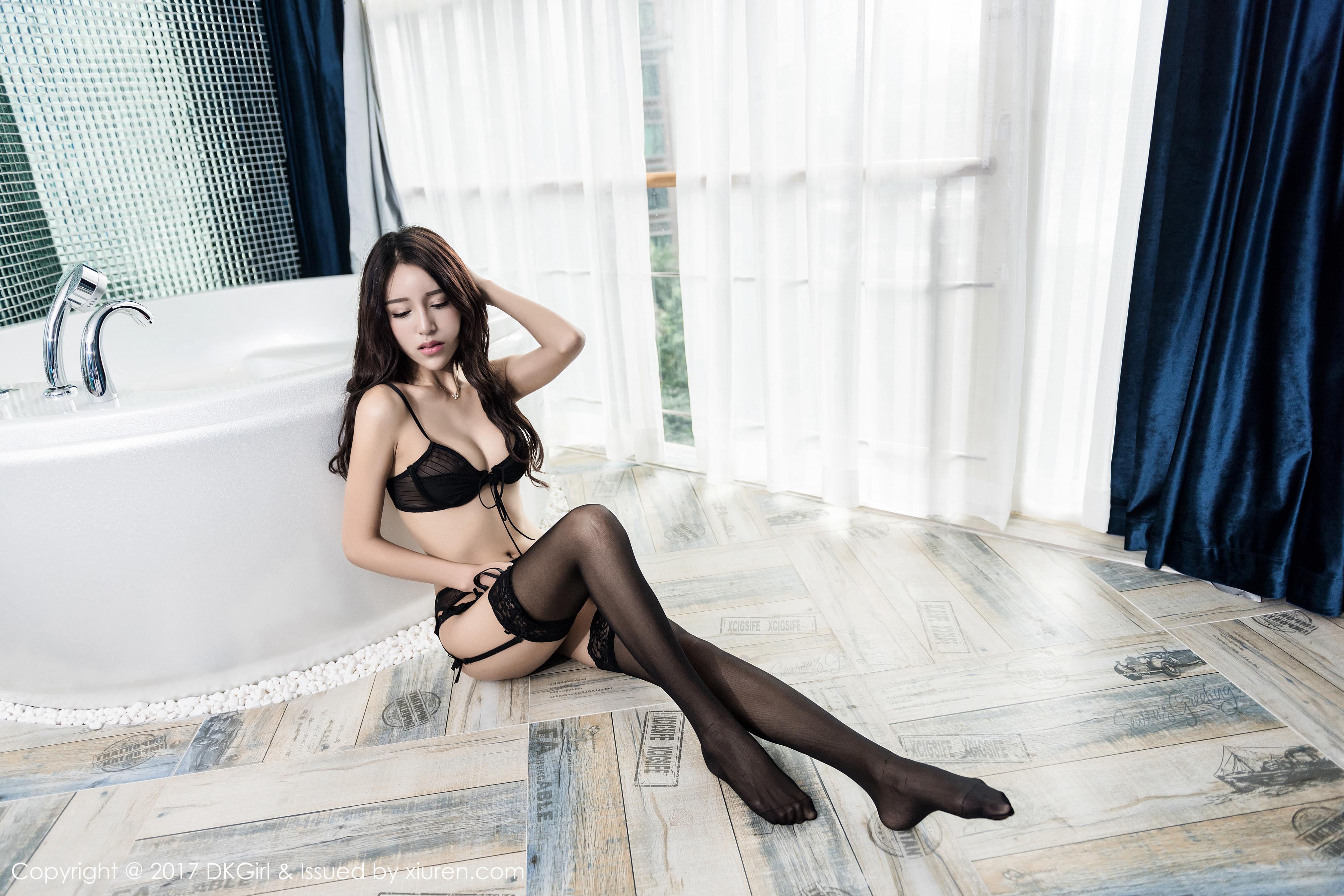 [DKGirl御女郎]DK20170302VOL0014 欧尼anne 黑色性感内衣加黑色丝袜美腿与湿身诱惑私房写真集