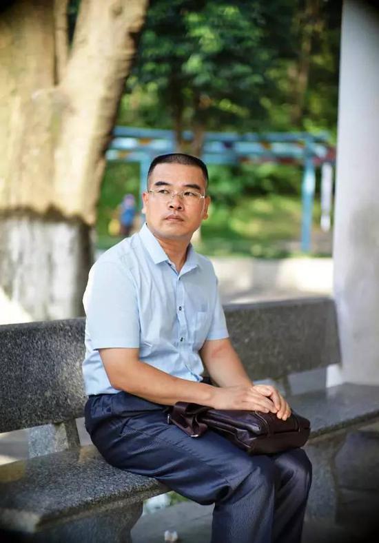 杭州纵火案保姆律师被立案调查:离庭不是一时冲动