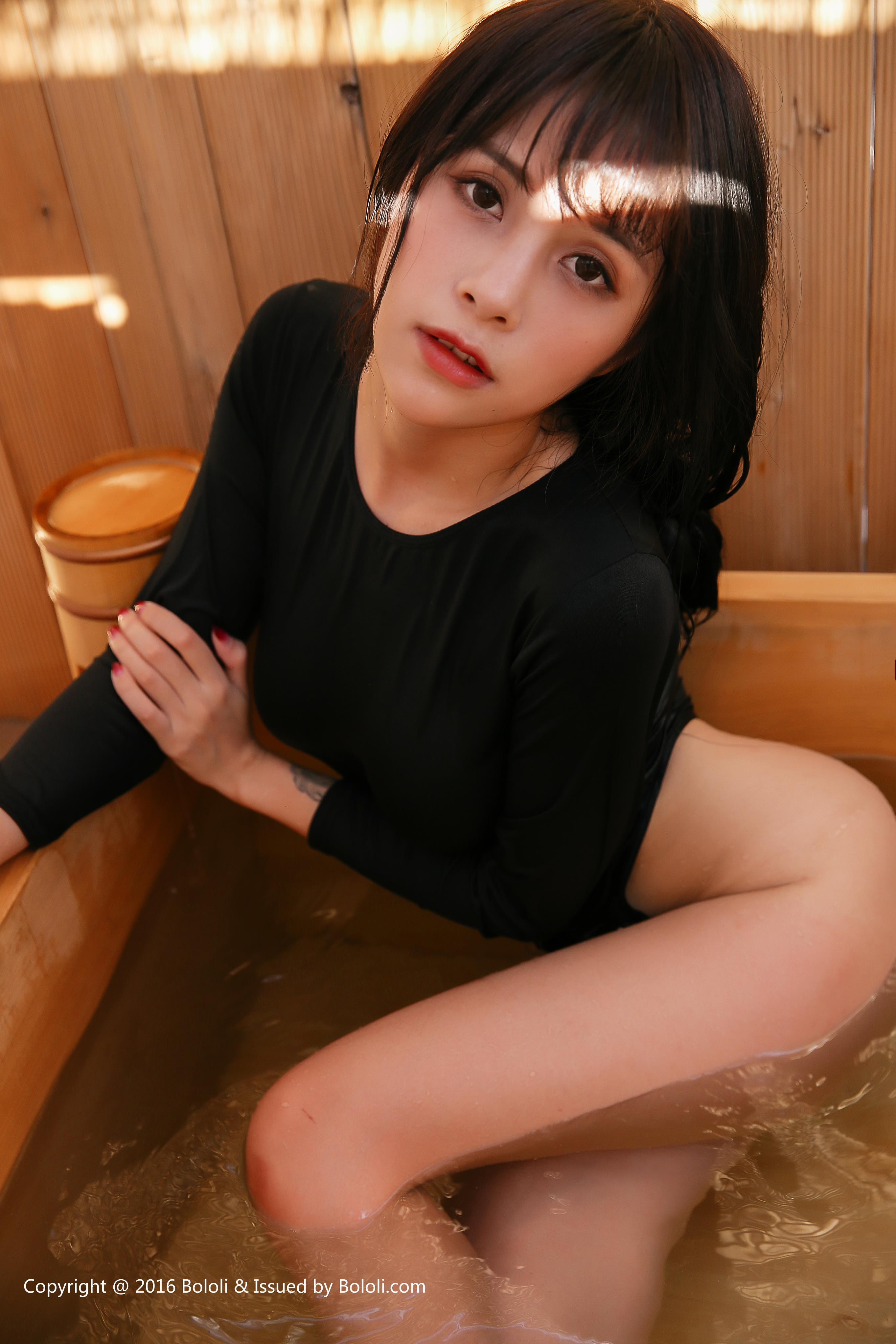 [BoLoli波萝社]BOL015 夏美酱 日本之旅 性感睡衣死库水私房写真集