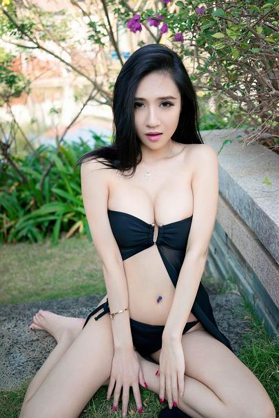 [TuiGirl推女郎]No.24 于大小姐AYU 性感比基尼泳装与情趣内衣大尺度私房写真集