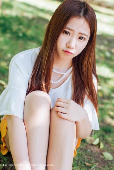 [Kimoe激萌文化]KIM022 清纯可爱小萝莉 董晨莉 白色短袖加橘色短裙私房写真集