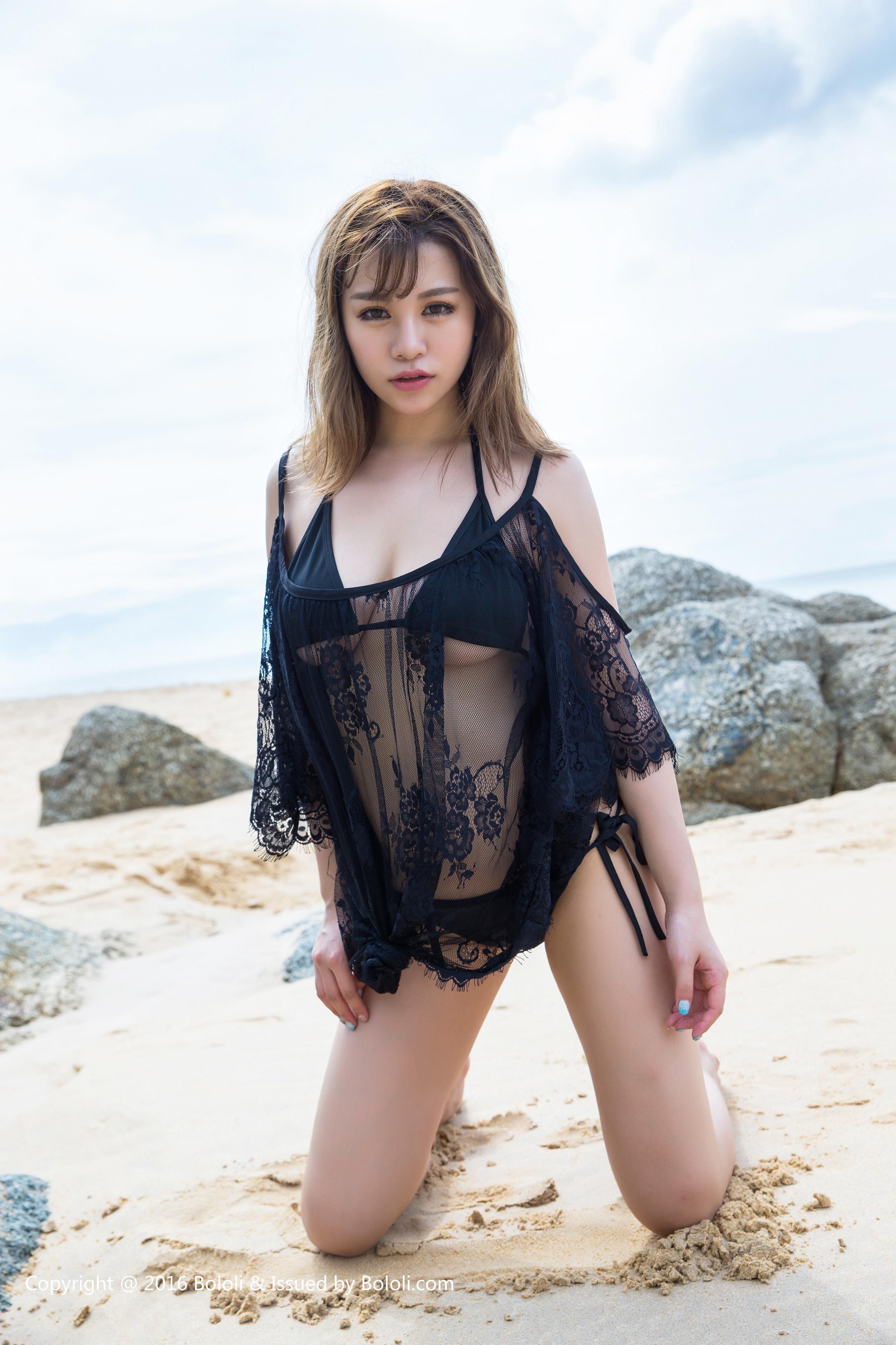 [BoLoli波萝社]BOL019 童颜巨乳 刘娅希 性感透视情趣内衣与比基尼泳装 泰国清凉写真