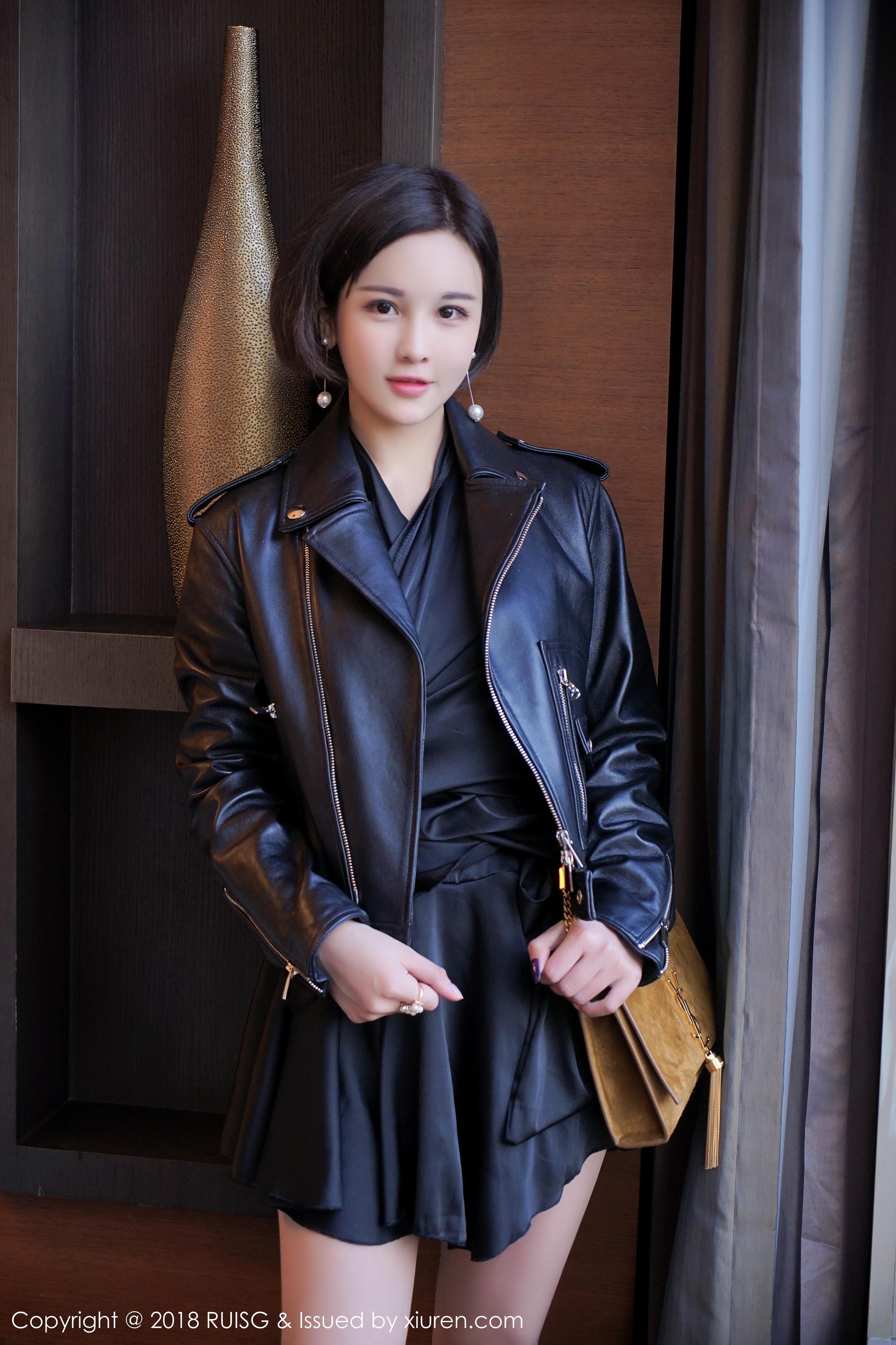 [RUISG瑞丝馆]RSG20180105VOL0037 米粒sweet 黑色外套加黑色短裙与黑色性感情趣内衣私房写真集