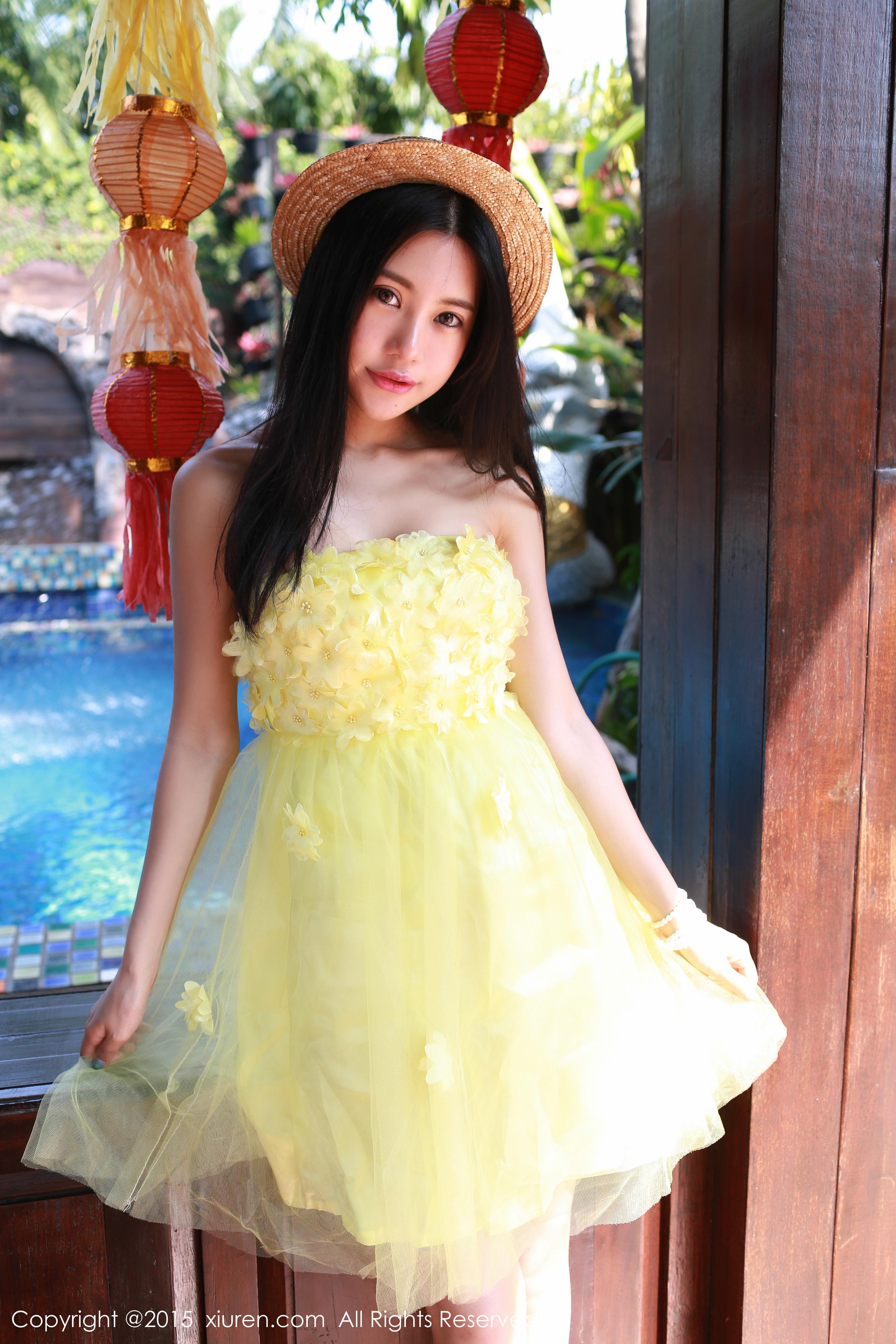 [XIUREN秀人网]XR20150211N00296 绮里嘉ula 黄色抹胸连衣裙与白色裹胸内衣性感私房写真集