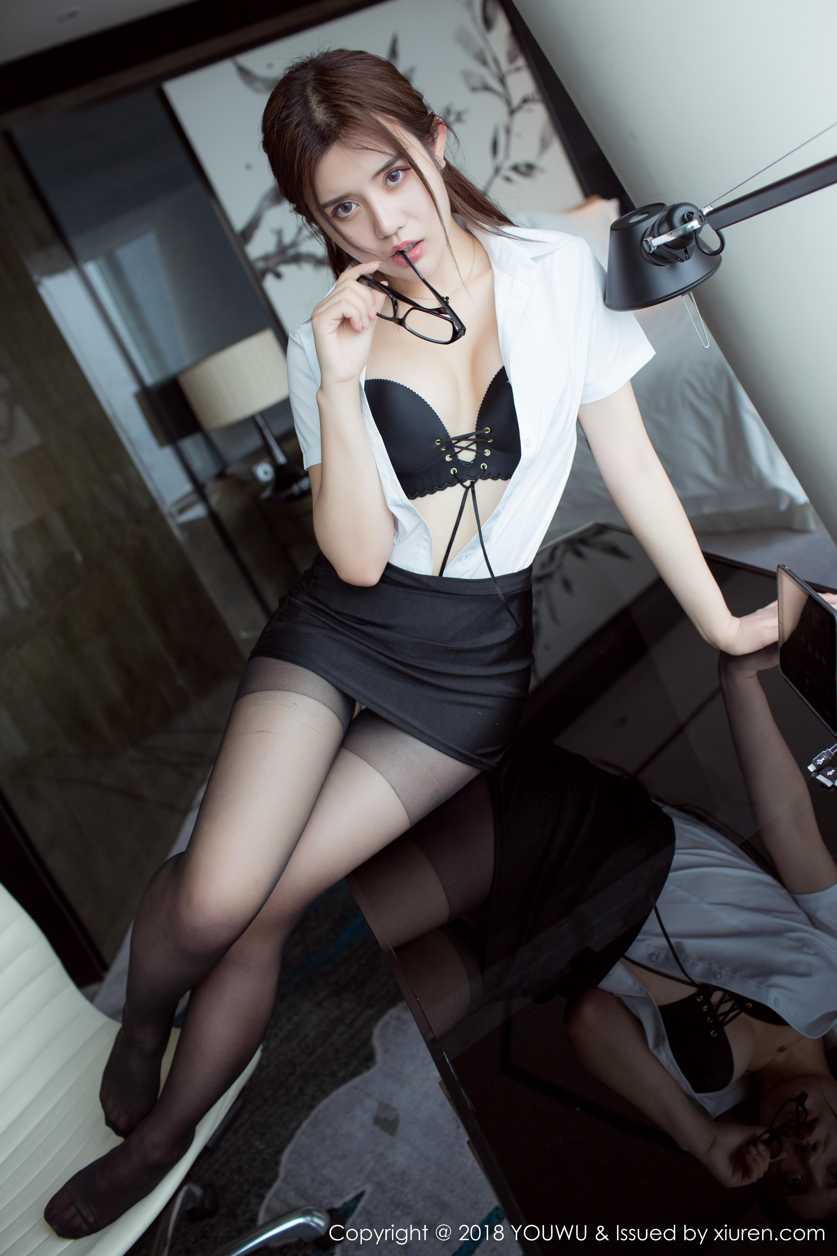 [YouWu尤物馆]YOU20180307VOL0081 性感女秘书 兔子Nina 黑色内衣与黑色包臀短裙加黑色丝袜美腿私房写真集