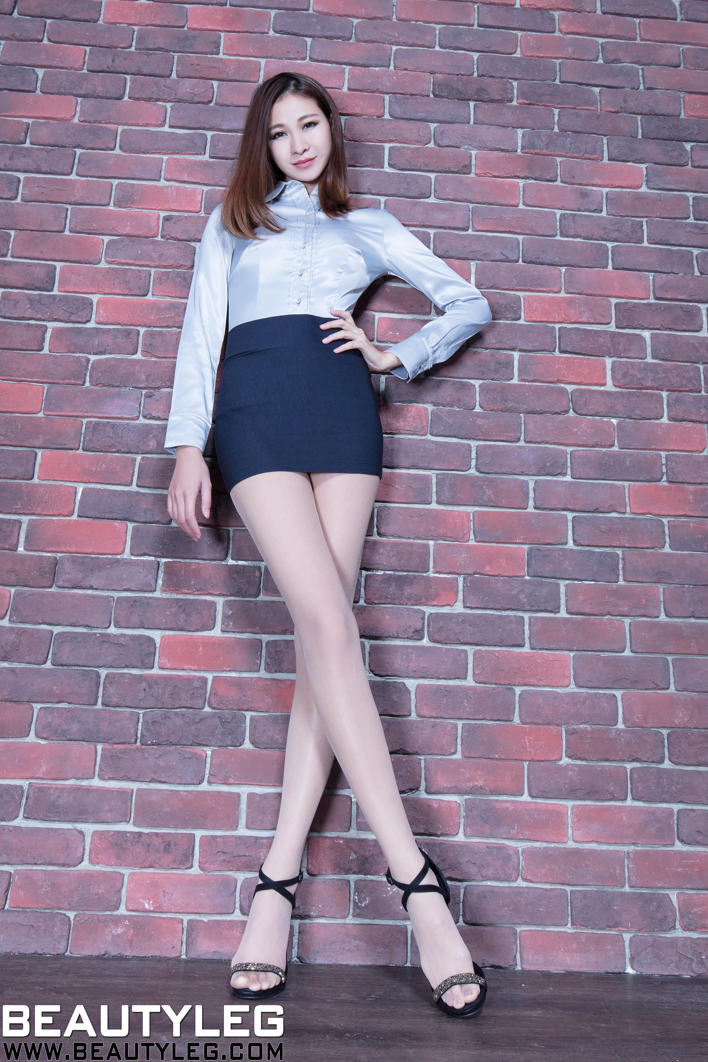 [beautyleg美腿写真]No.1615 性感女秘书 Neko 银色衬衫与黑色包臀短裙加肉色丝袜美腿私房写真集