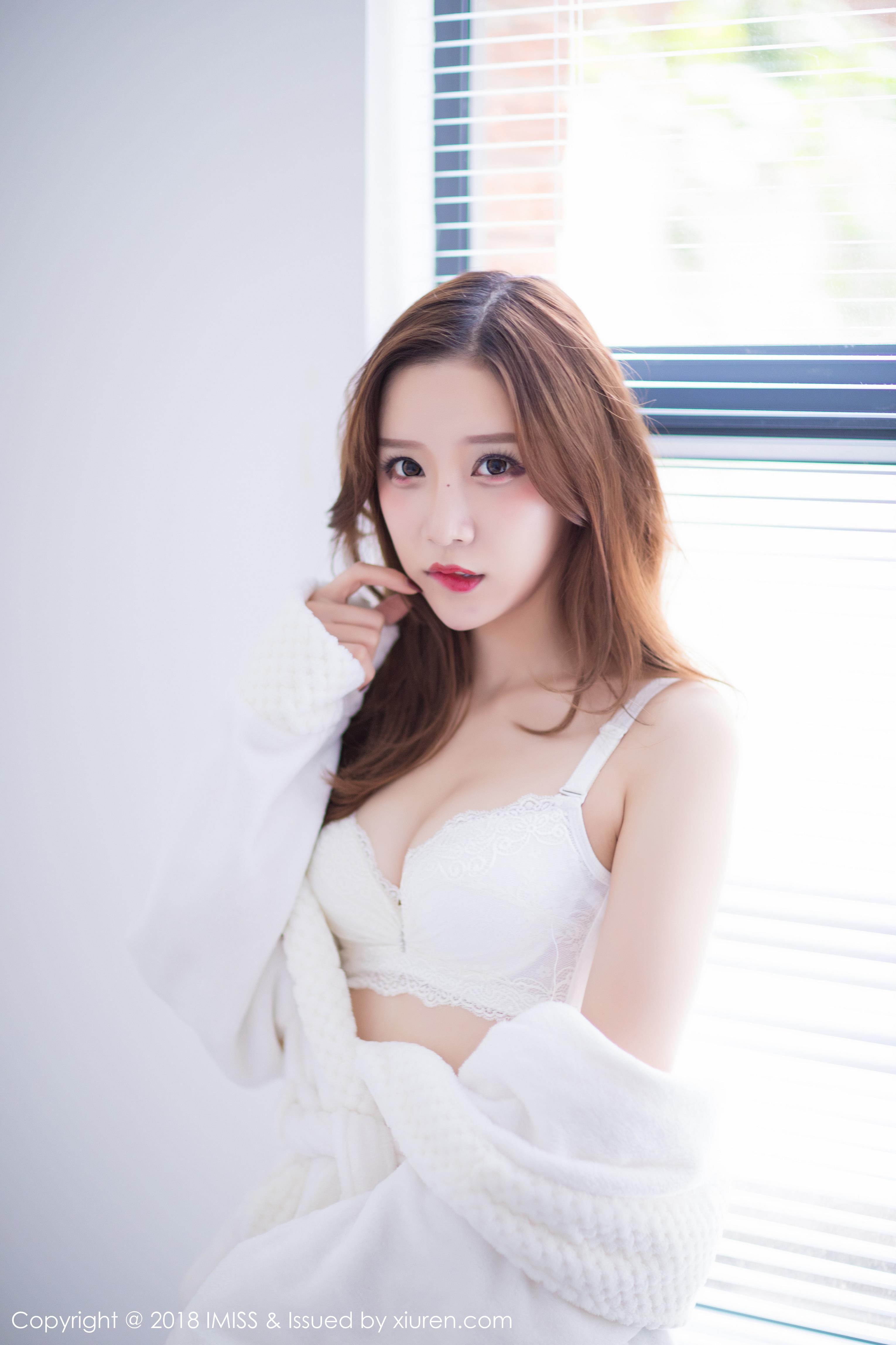 [IMISS爱蜜社]IMS20180502VOL0233 小琳 白色镂空连衣裙与白色蕾丝内衣性感私房写真集