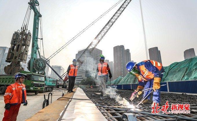 北京地铁17号线太阳宫站开工:下穿10号线 换乘不到两?#31181;?  title=