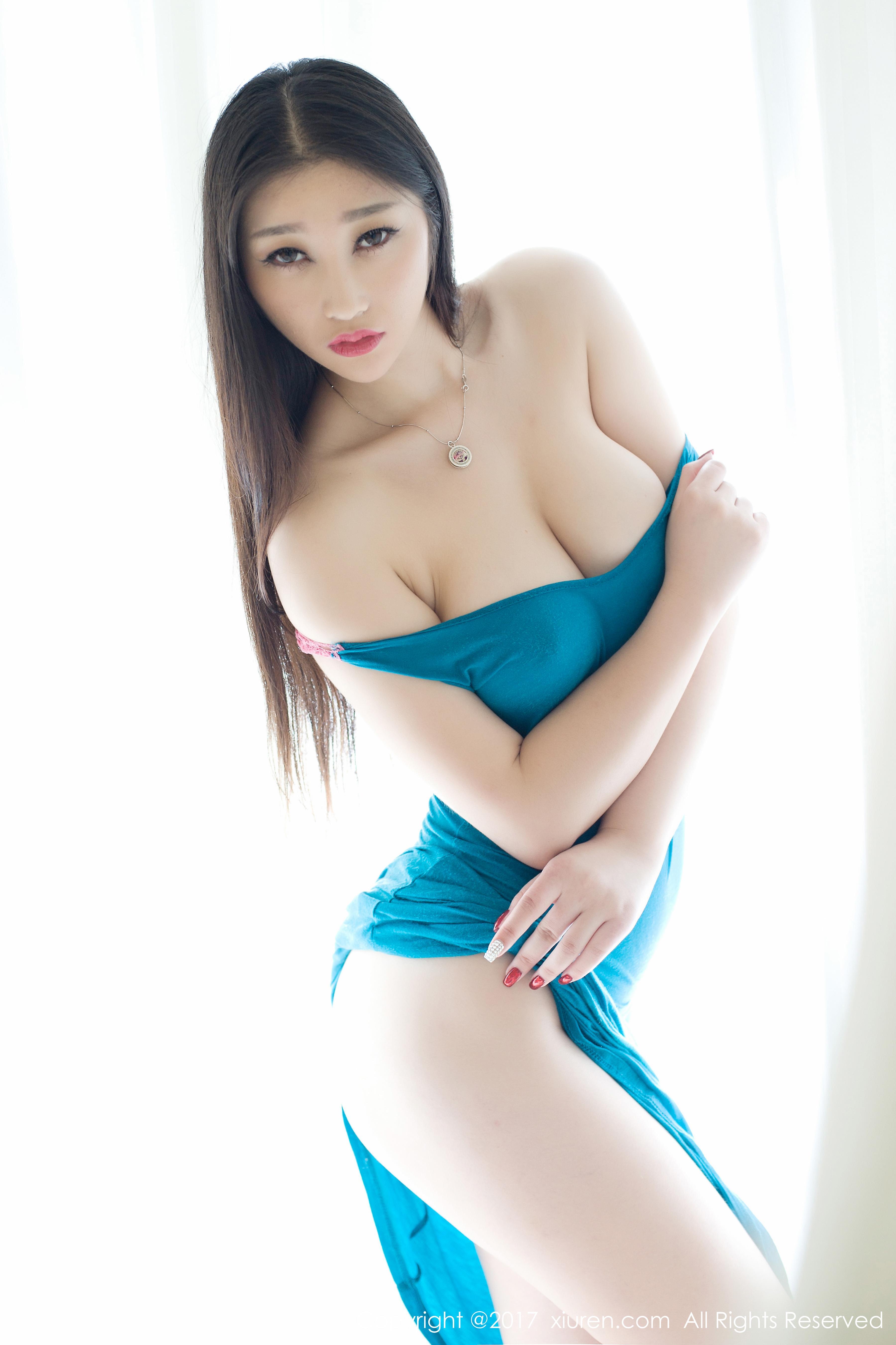 [XIUREN秀人网]XR20170418N00738 妲己_Toxic 蓝色紧身连衣裙与红色情趣内衣及黑色比基尼泳装性感私房写真集