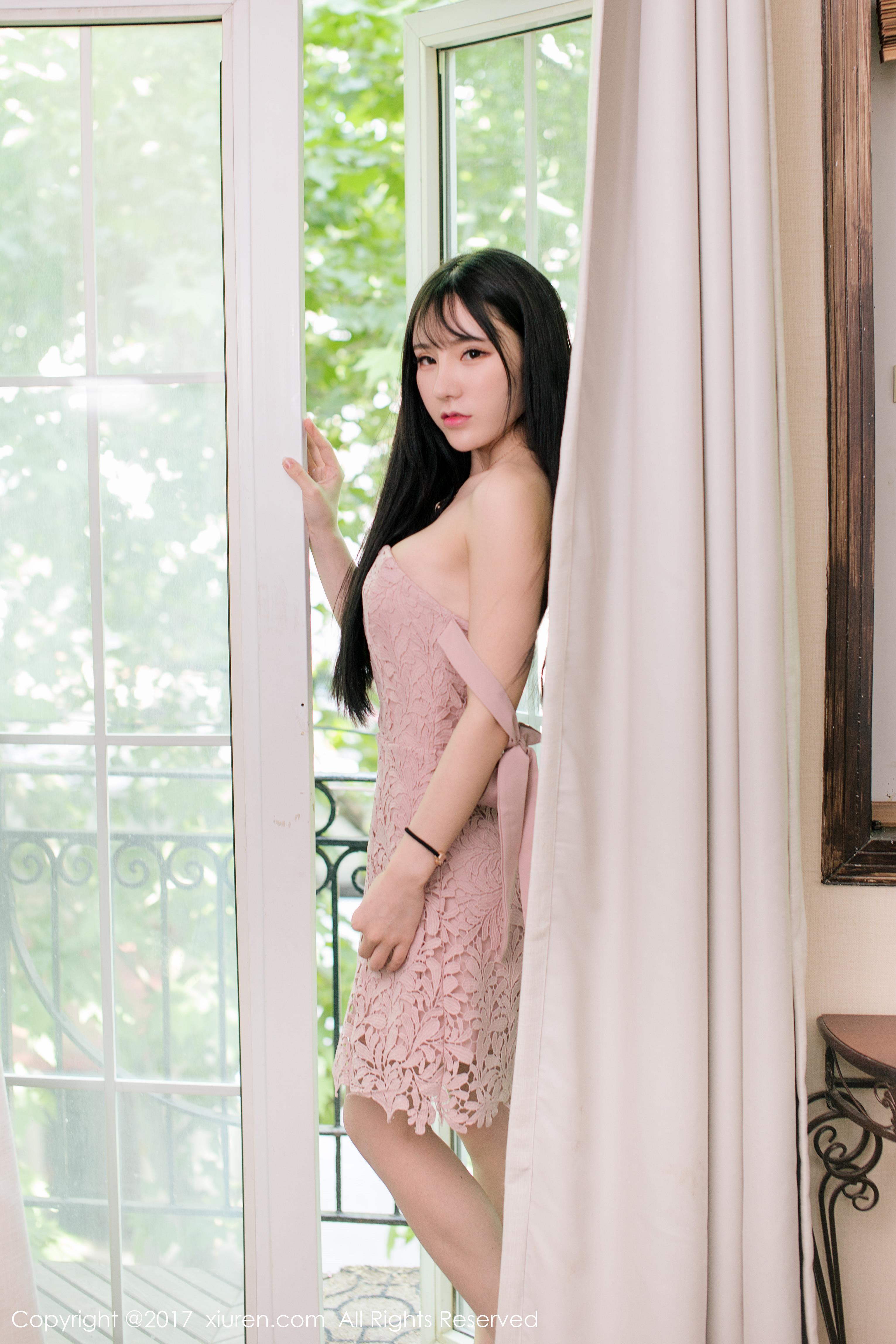 [XIUREN秀人网]XR20170527N00760 周于希dummy 粉色镂空连衣裙与情趣内衣性感私房写真集