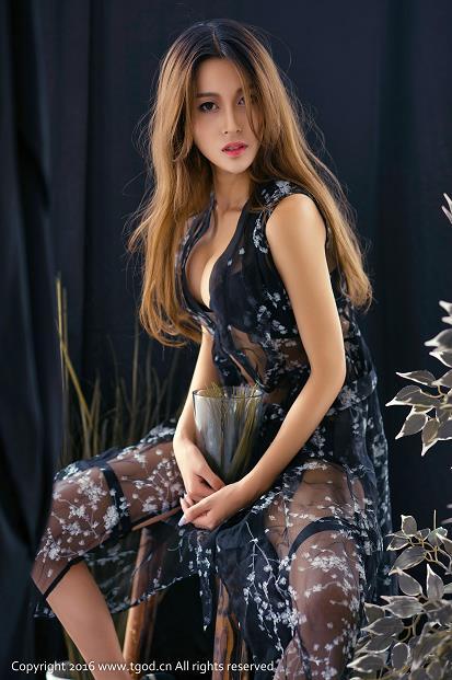 [TGOD推女神]2016-09-10 耿晶 蓝色连衣裙与黑色透视情趣连身裙及白色紧身连体衣性感私房写真集