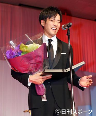 松坂桃李获日刊体育电影最佳男主角奖 被导演夸赞