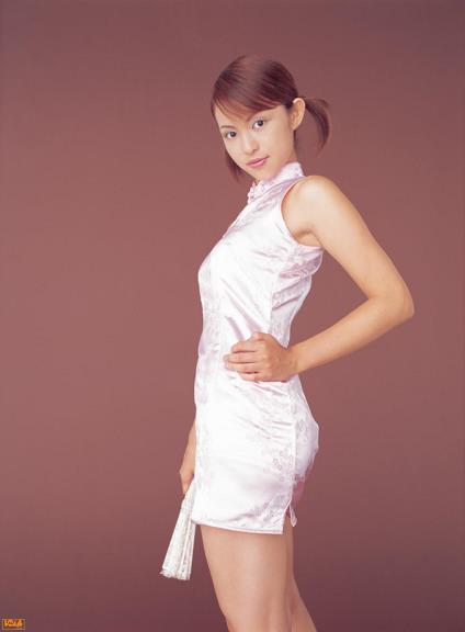 [BOMB.tv]写真2004年 日本赛车皇后 森下千里 Morishita Chisato 芭蕾舞裙与粉色旗袍及性感和服私房写真集
