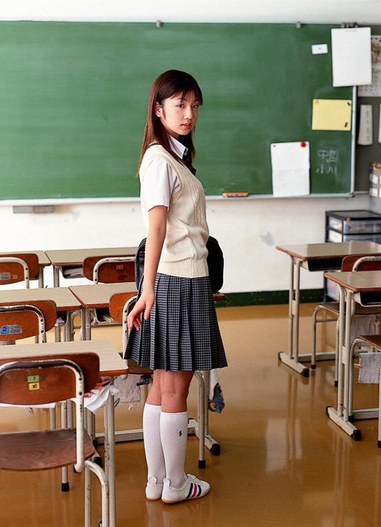 [YS Web]Vol.015 小倉優子(小仓优子,Yuko Ogura)高中女生制服与性感比基尼泳装私房写真集