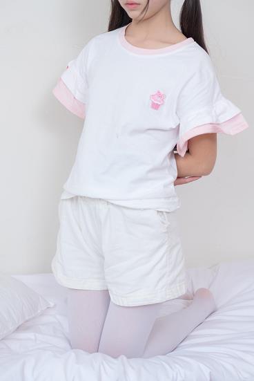[森萝财团]萝莉X-020 白色短袖与白色短裤加白色丝袜美腿性感私房写真集