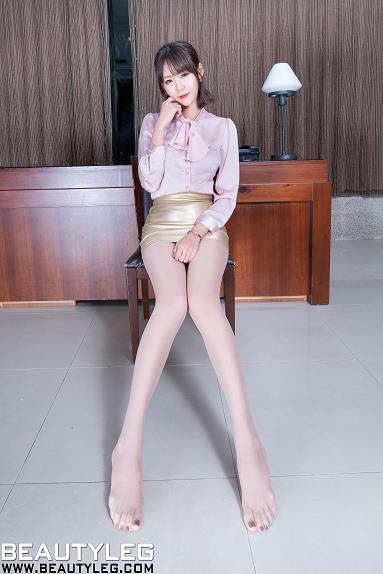 [beautyleg美腿写真]No.1724 Winnie小雪 粉色衬衫与金色包臀短裙加肉色丝袜美腿性感私房写真集