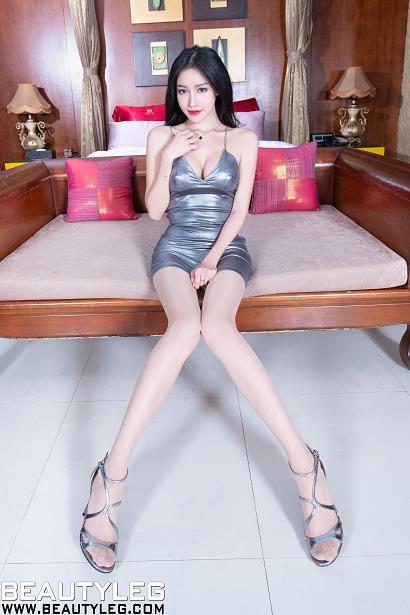 [beautyleg美腿写真]No.1726 Avril 灰色紧身吊带连衣裙加肉色丝袜美腿性感私房写真集
