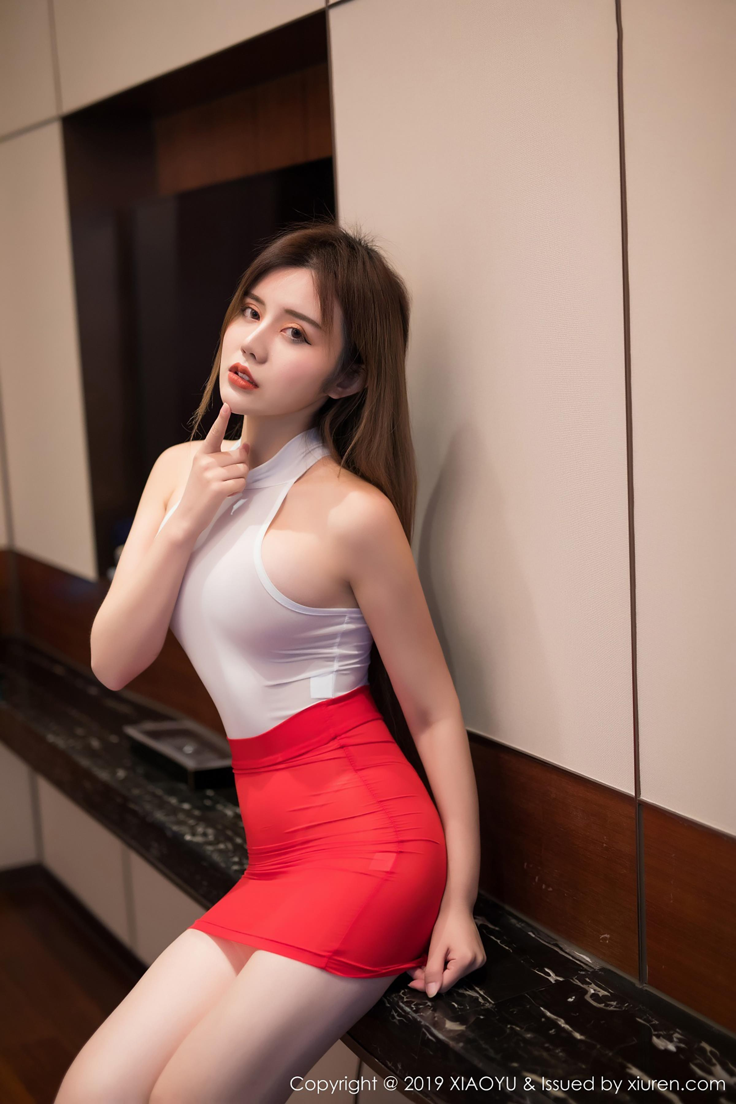[XIAOYU画语界]YU20190327VOL0043 Cris_卓娅祺 白色紧身连体衣加红色短裙性感私房写真集