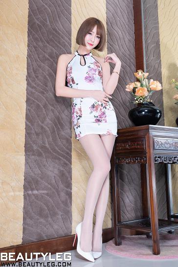 [beautyleg美腿写真]No.1765 Winnie小雪 白色吊脖短旗袍加肉色丝袜美腿性感私房写真集