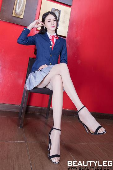 [beautyleg美腿写真]No.1768 Lola 蓝色高中女生制服与短裙加肉色丝袜美腿性感私房写真集