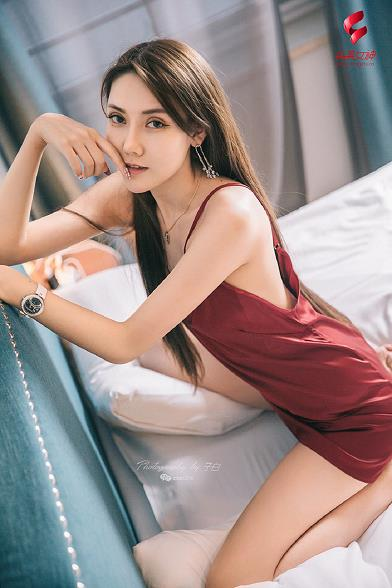 [Toutiaogirls头条女神]2019-05-25 娇娇 红色吊带裸背睡衣裙性感私房写真集