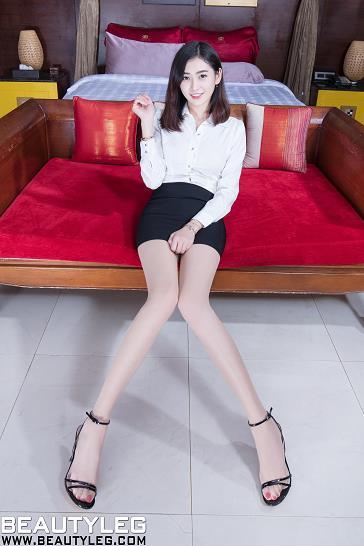 [beautyleg美腿写真]No.1778 性感女秘书 Leonie 白色衬衫与黑色短裙加肉色丝袜美腿私房写真集
