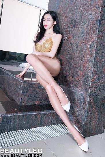 [beautyleg美腿写真]No.1779 Avril 金色吊带连体比基尼泳装加肉色丝袜美腿性感私房写真集