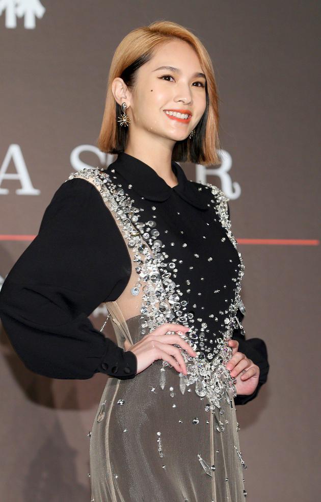 杨丞琳谈潘玮柏娇妻被黑:很心疼 希望大家多祝福