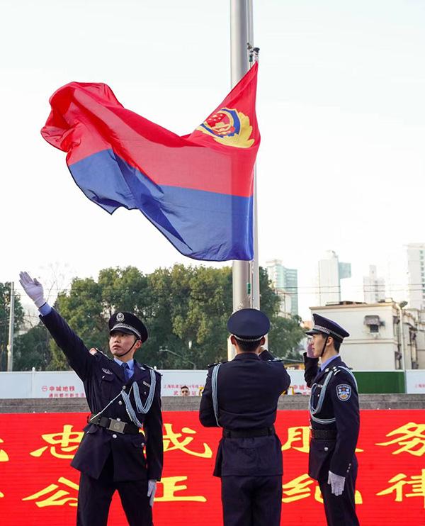 第一次过上自己的节日,听听仍在岗位上坚守的上海民警怎么说